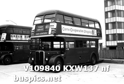 RT2508 KXW137 at Harlow Bus Station